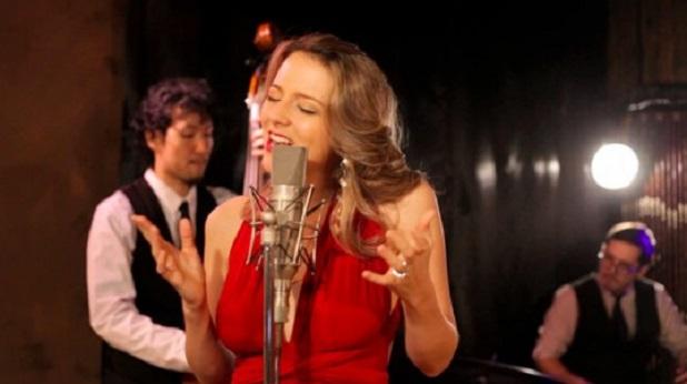 La Vie En Rose: AN ELEGANT BLEND OF AMERICAN JAZZ, FRENCH CHANSON & POP